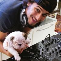 Lista: 5 coisas que DJs PRECISAM parar de fazer na balada