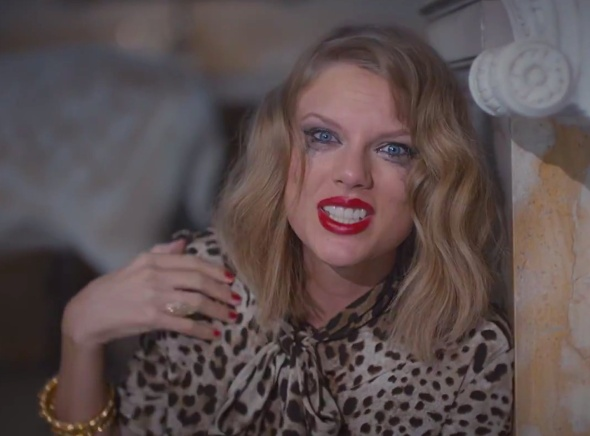 taylor-swift-blank-space-video-crazy-eyes